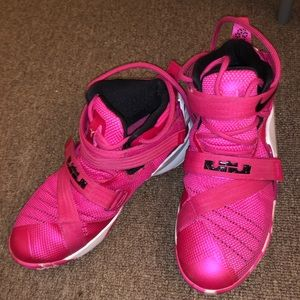 6ef8d7c5bcb Nike Shoes - nike lebron soldier 9 breast cancer awareness